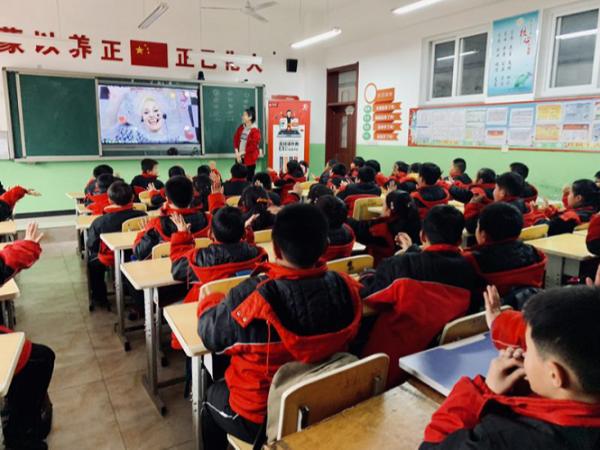 精准扶贫,青龙县在线外教双师课堂走进河北