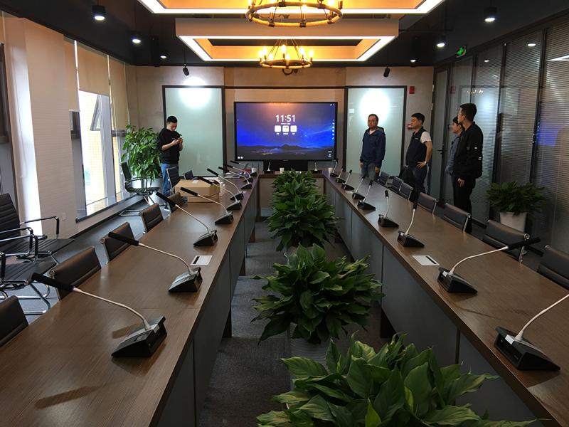 网牛安装的视频会议室